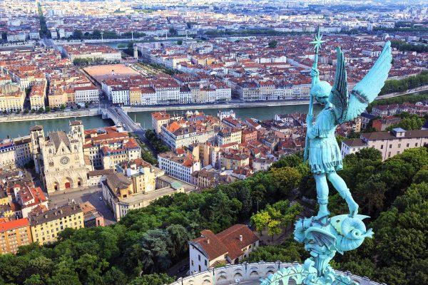 Viajar a Lyon con iberocoach